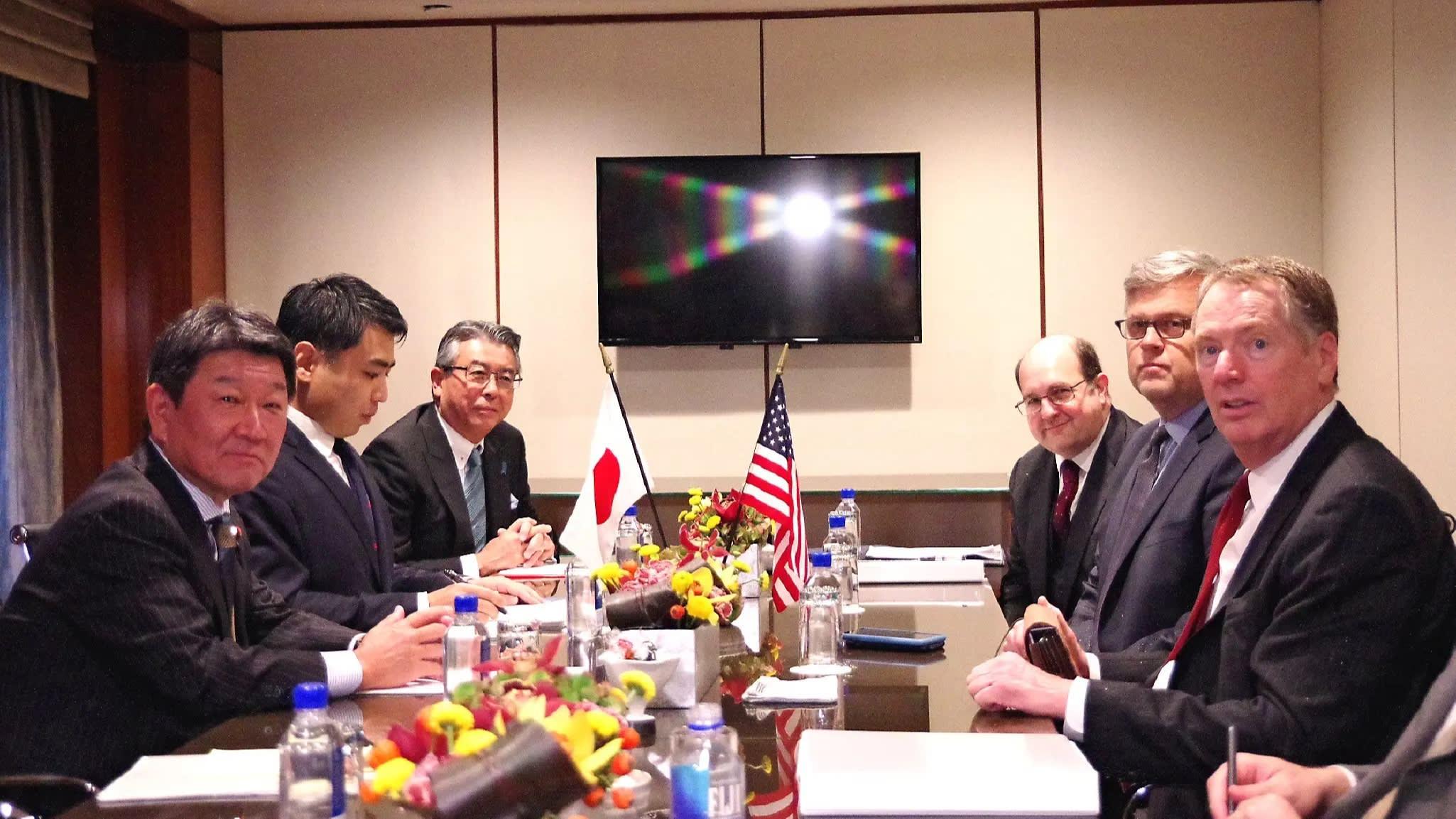 U.S. Trade Representative Robert Lighthizer, far right, spoke with Japan's trade-deal point man Toshimitsu Motegi, far left,in New York in September.