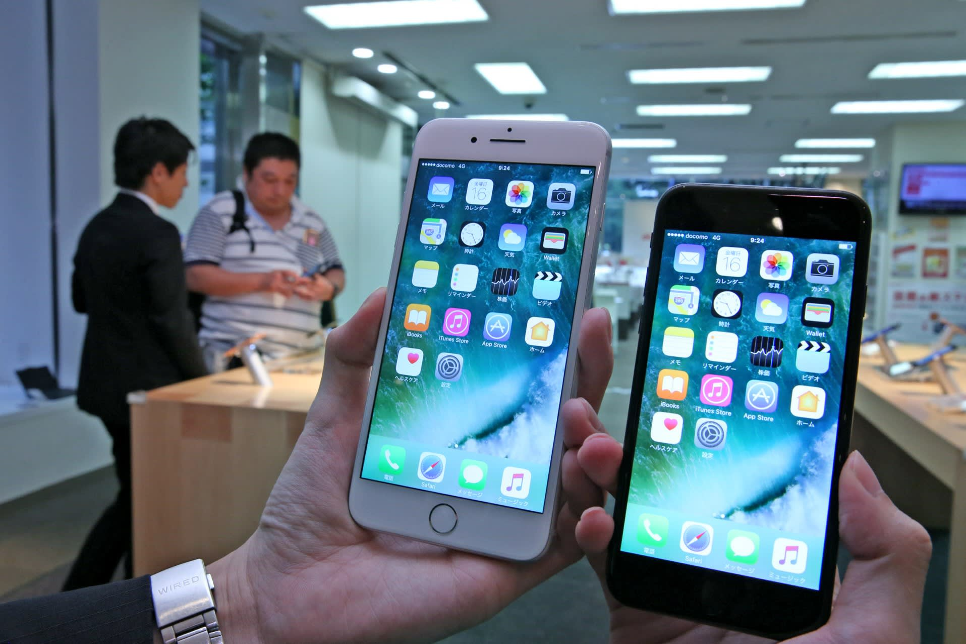 With iPhone 7 hopes low, Japanese parts makers pin hopes on China