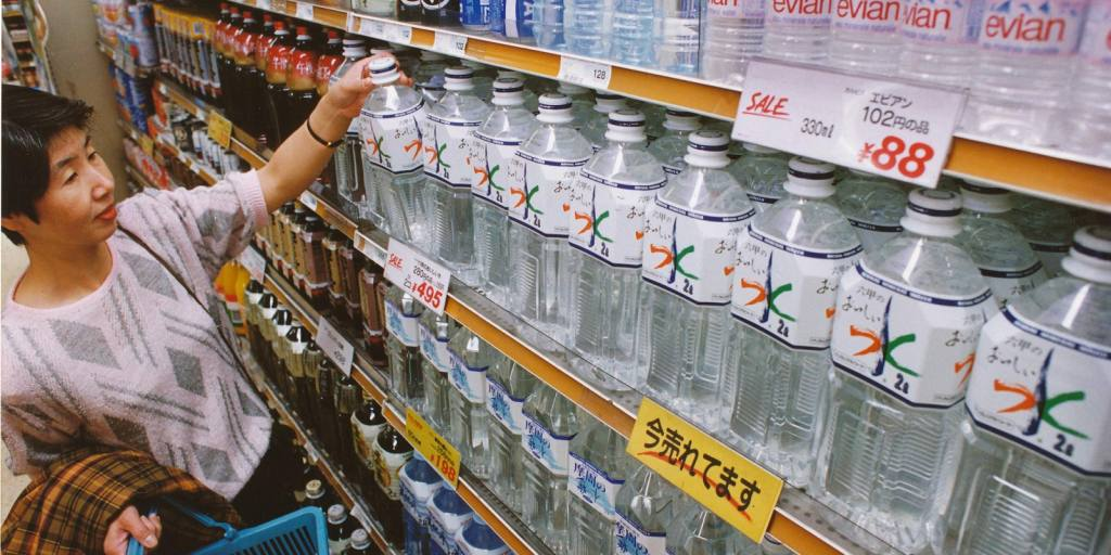 Japan's bottled-water exports to China set record in 2016