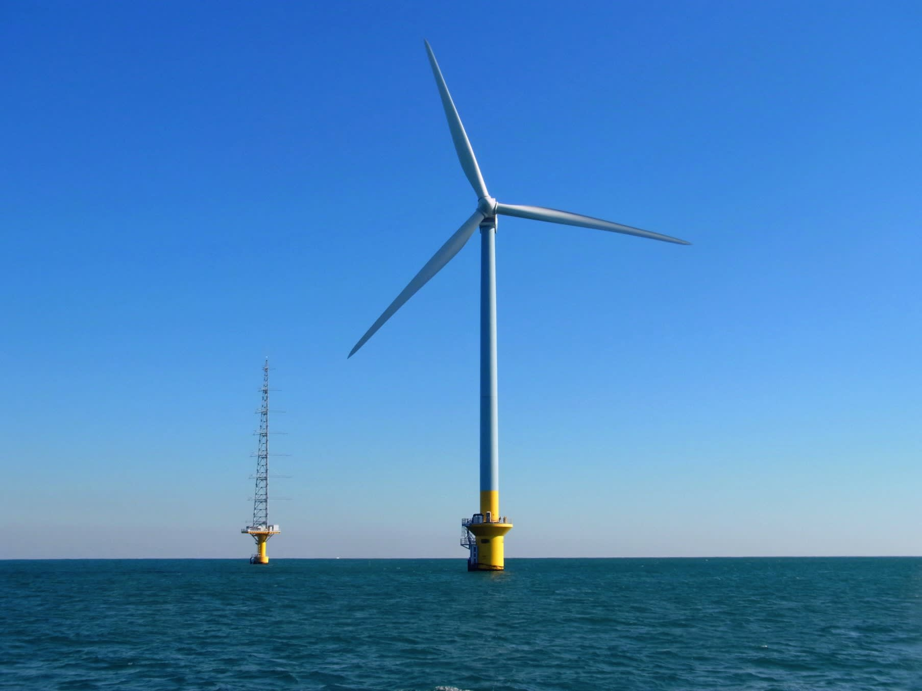 Japan plans new laws to encourage offshore wind power generation