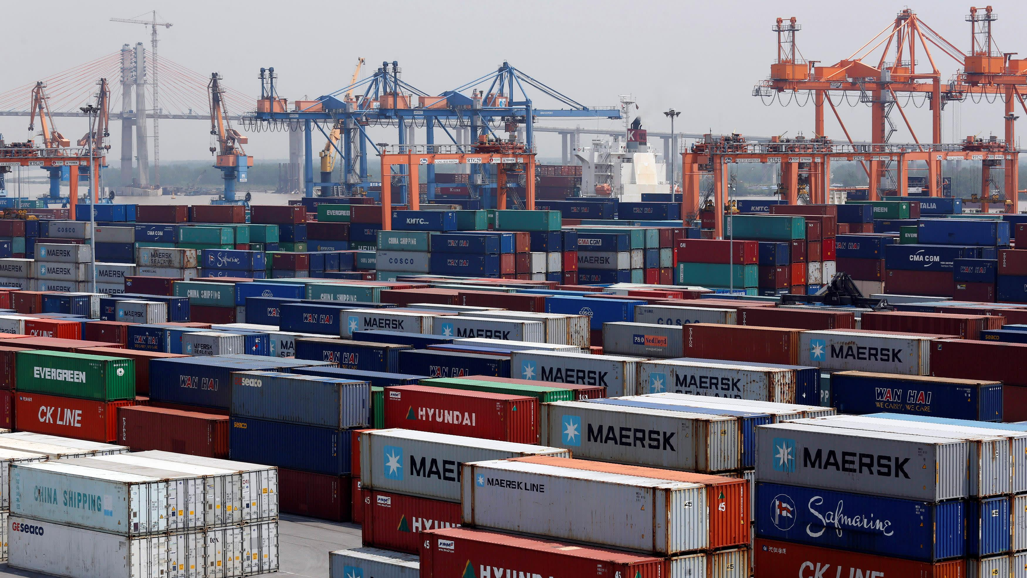 Vietnam plans 2 more container terminals on manufacturing boom