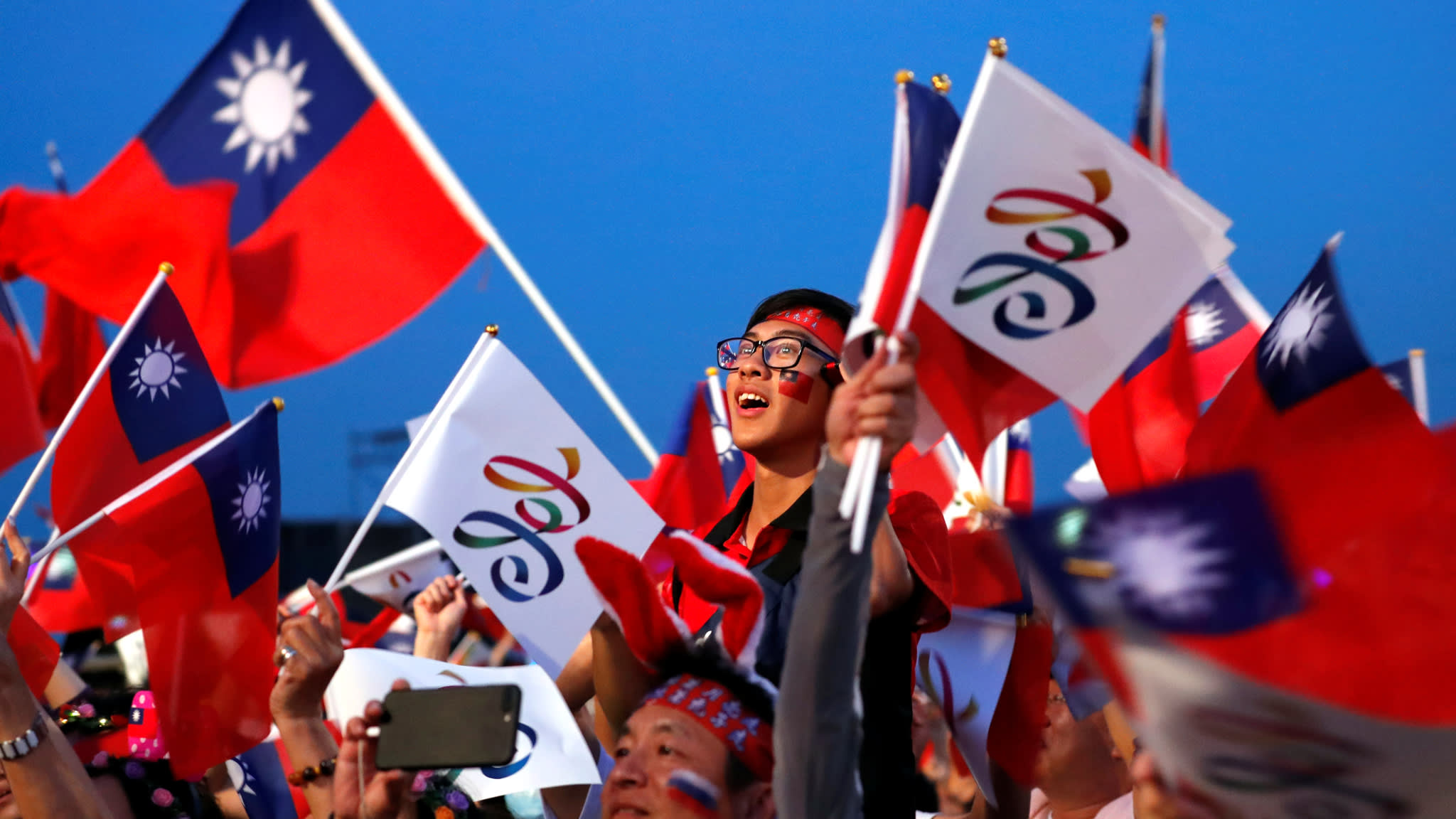 Supporters of Kaohsiung mayoral candidate Han Kuo-yu of the opposition Nationalist Party, or Kuomintang, ata campaign rally for local elections, in Kaohsiung, Taiwan, on Nov.23.