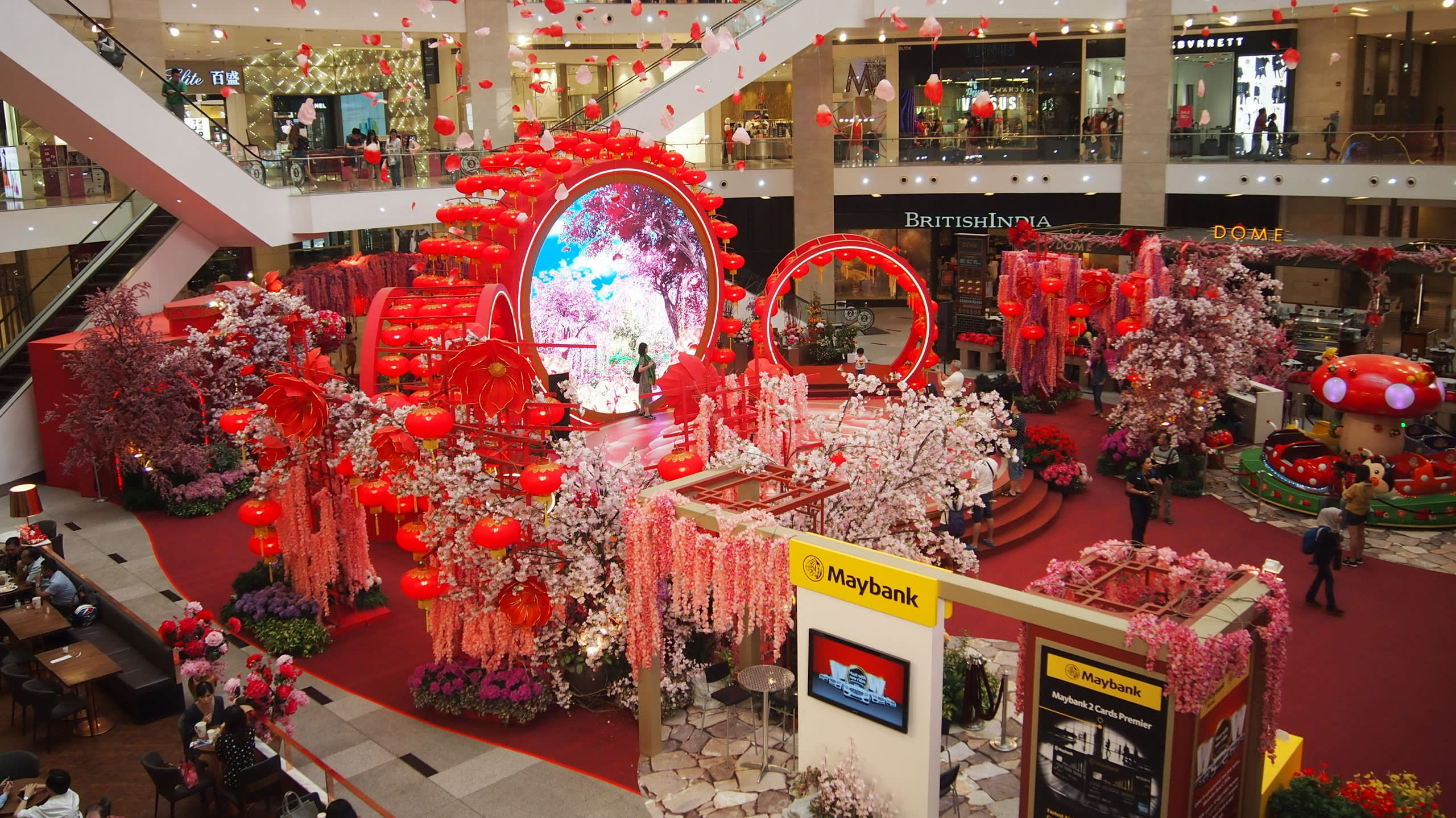 No dog in Malaysia's Lunar New Year decorations - Nikkei ...