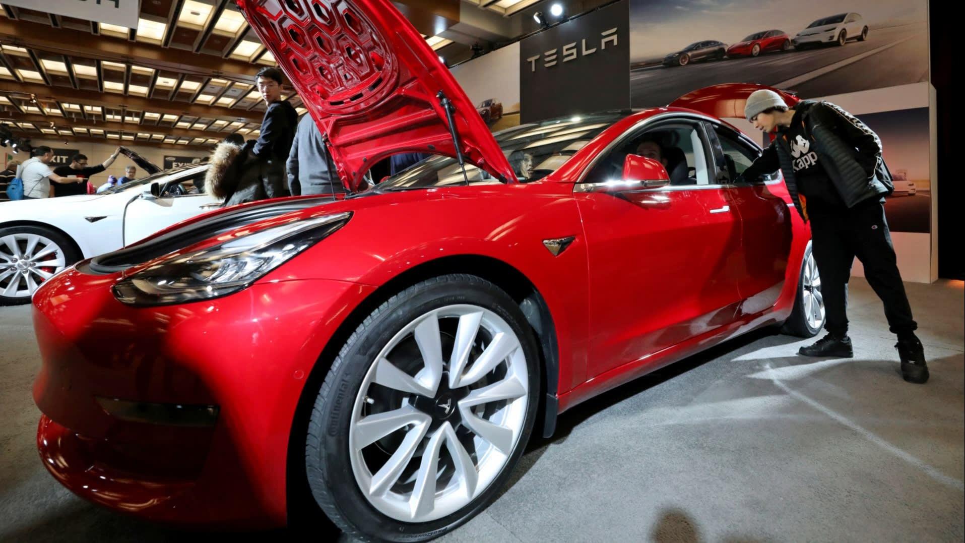 Tesla and Panasonic reopen talks on Gigafactory investment ...