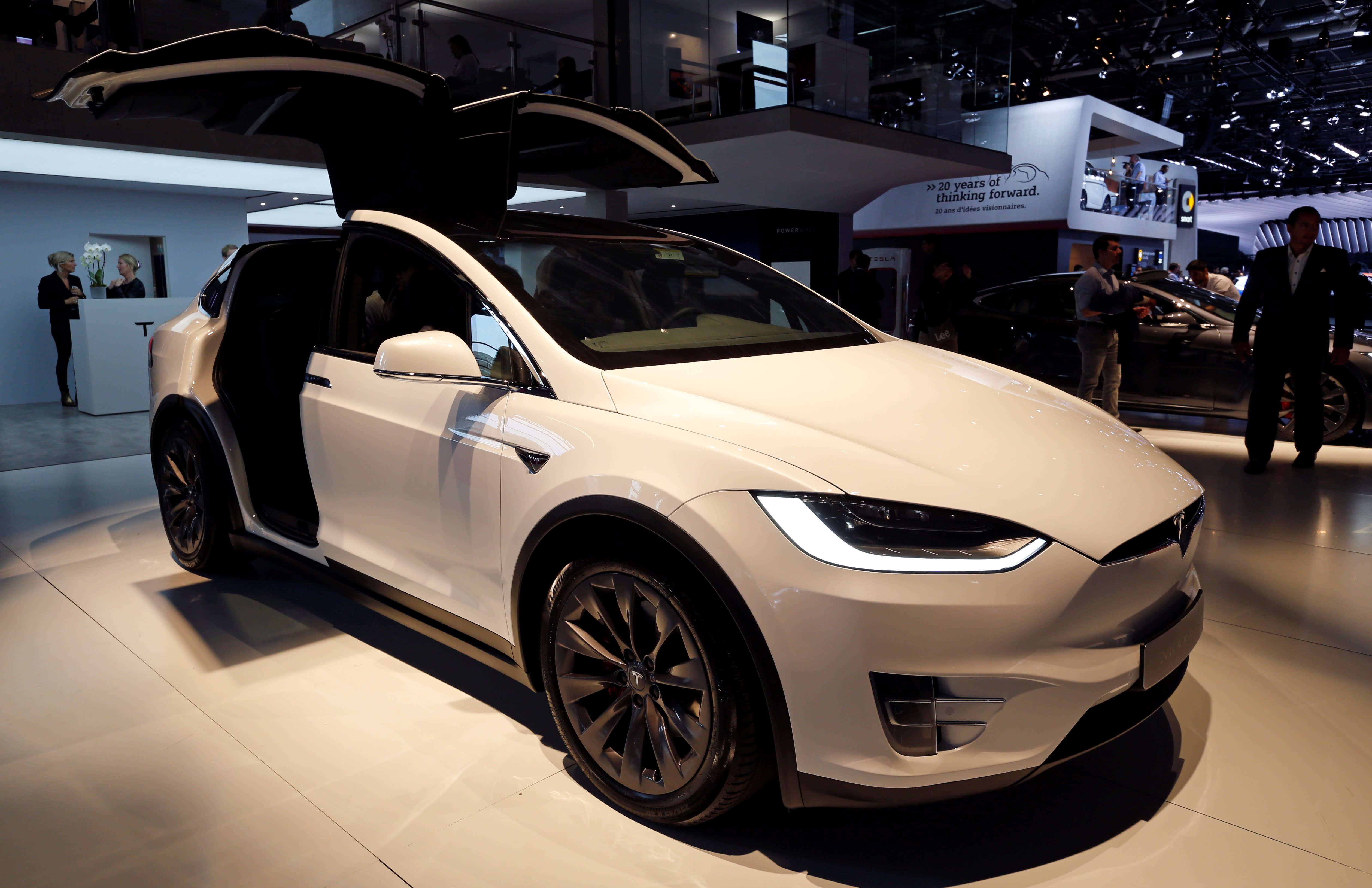 Tesla To Buy California Battery Technology Company For 218m