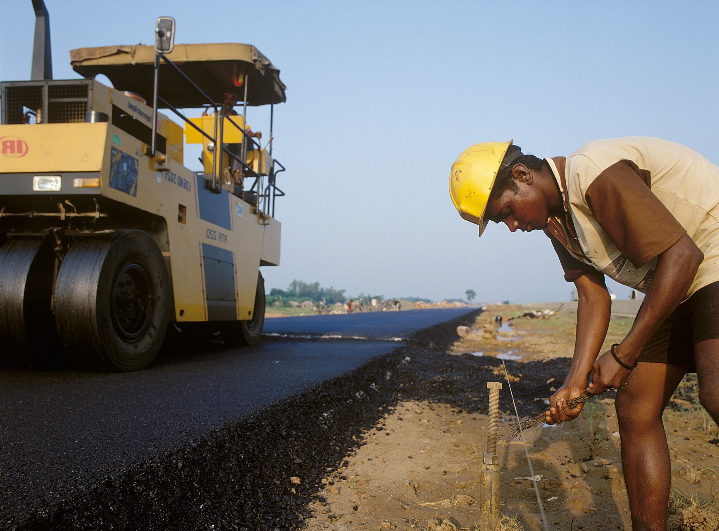 New policies accelerate India's road development - Nikkei Asian Review