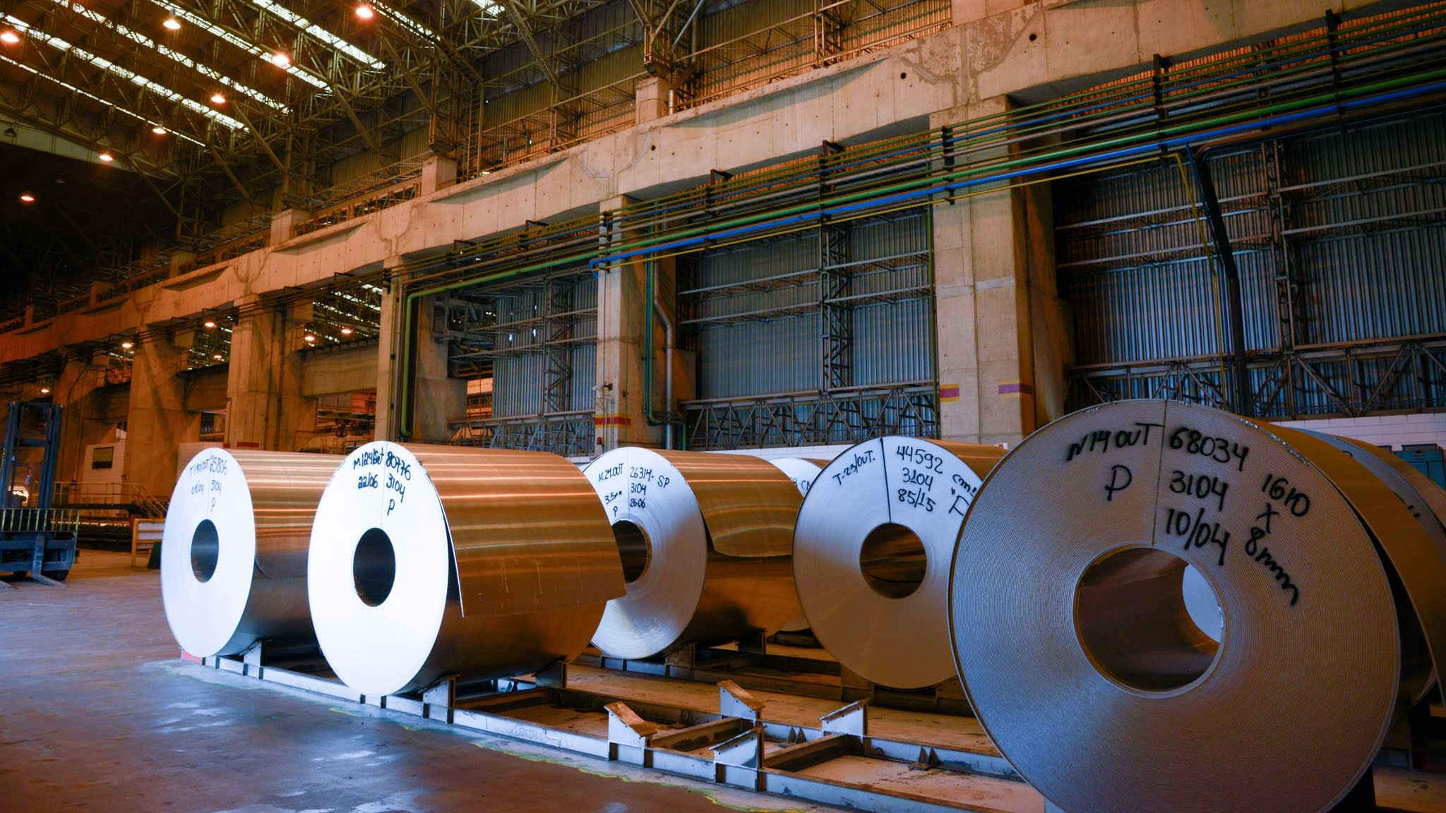 Rolls of aluminium made from recycled material