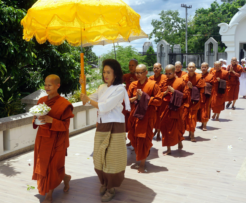 women in ocher: thailand's rebel nuns gain ground - nikkei asian review