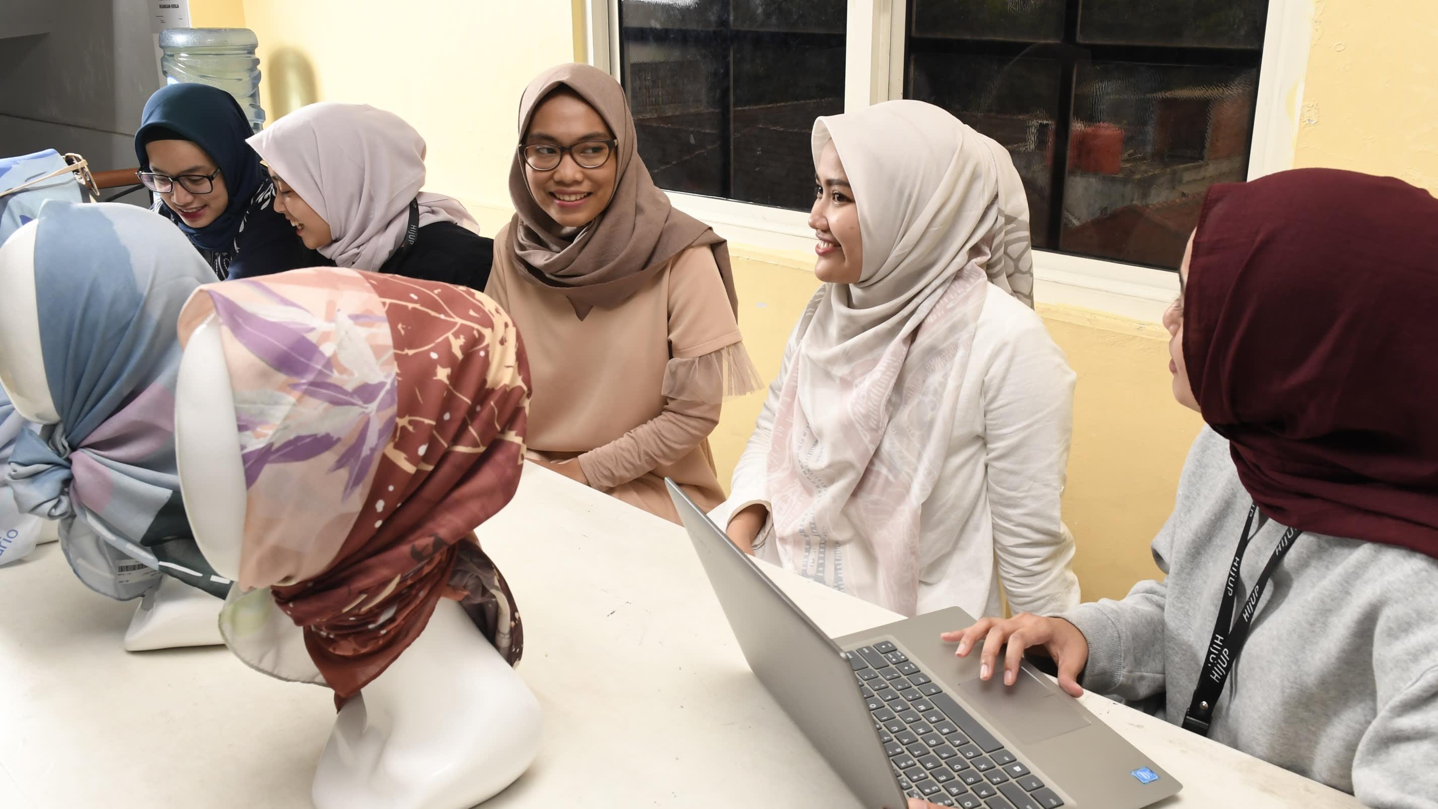 Indonesian Muslim fashion retailer on mission to empower women ... 05dcb61263