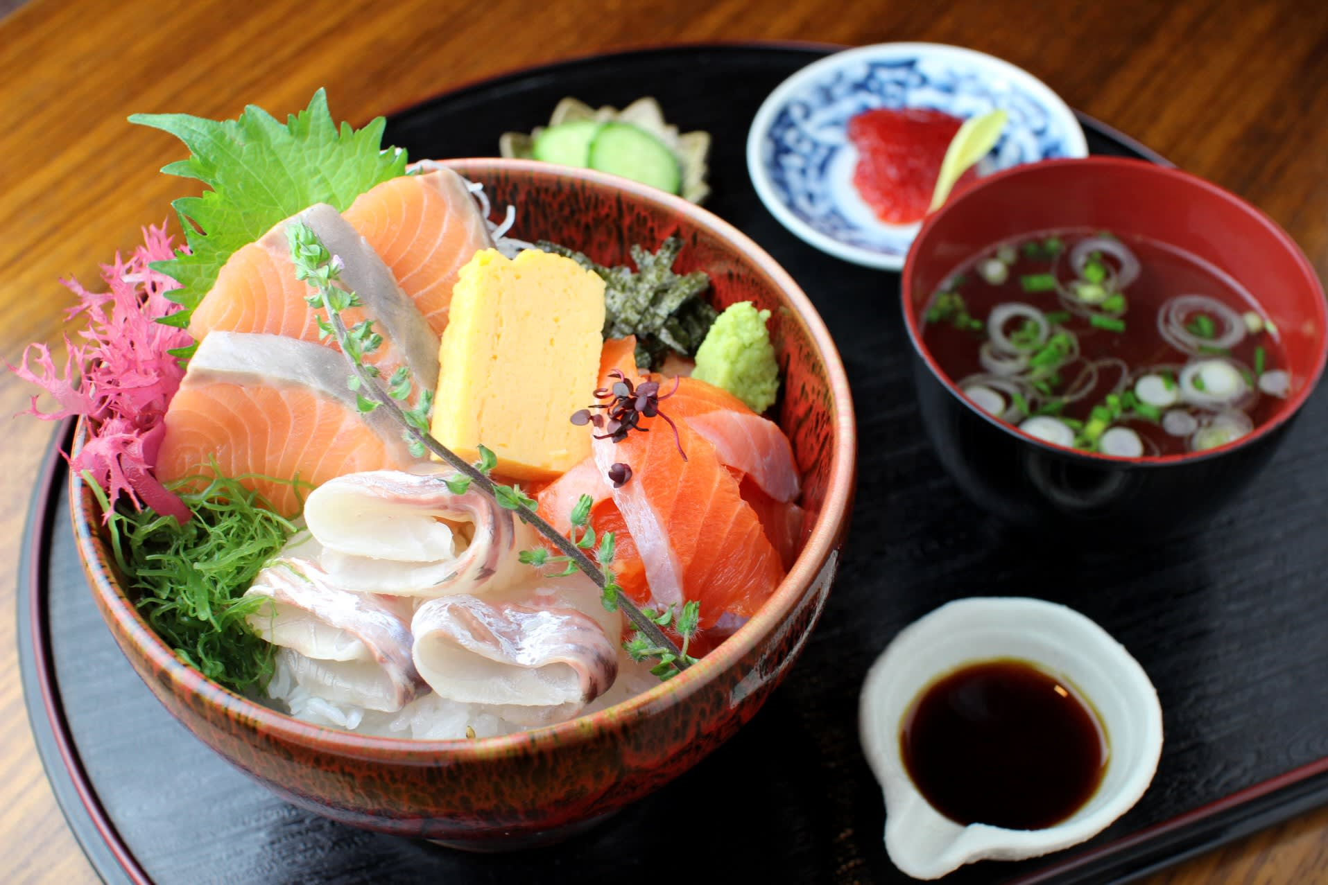 Salmon gives Japan fish farmers chance to hook Asian customers
