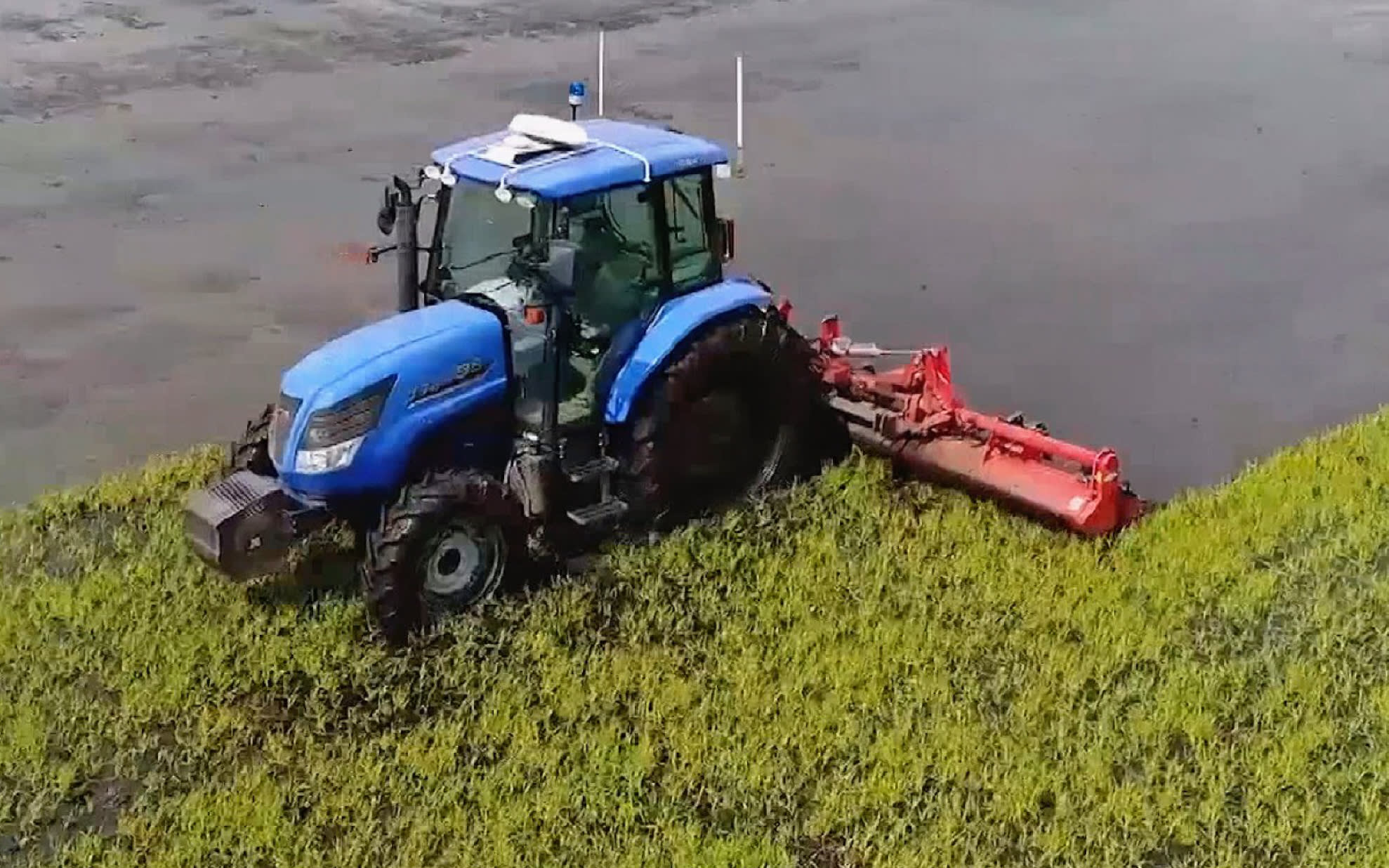 Japan looks to drones, self-driving tractors to lift rice