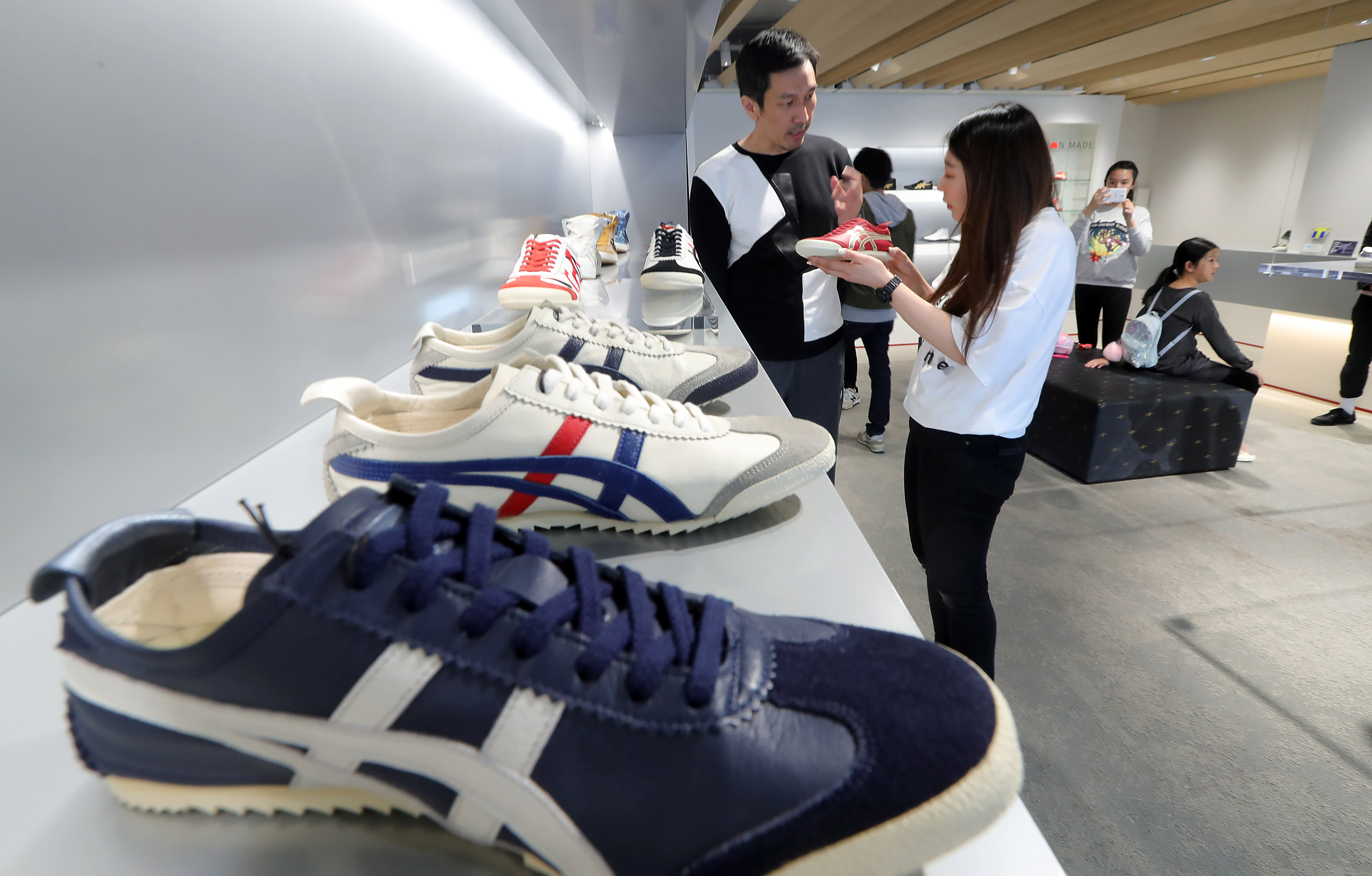 4405202be23f5 Made-in-Japan footwear puts spring in Asics' step - Nikkei Asian Review