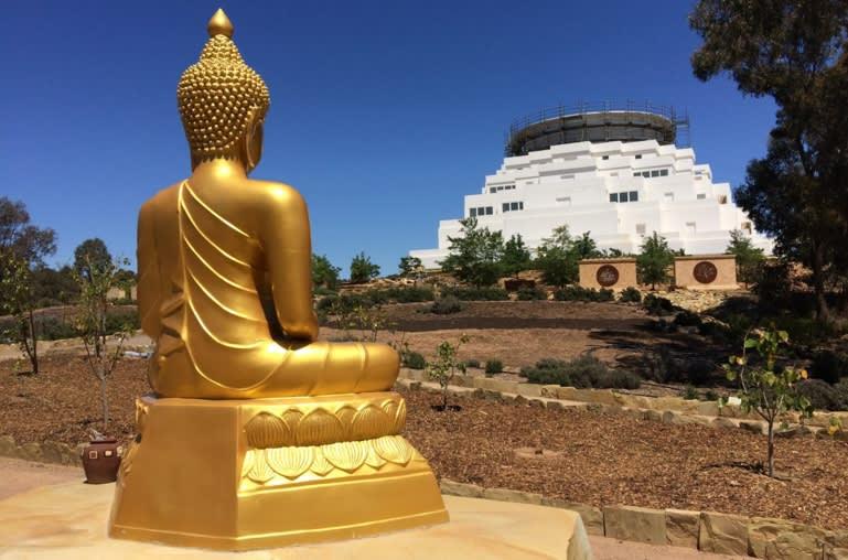 great stupa brings buddhism to australia s bush nikkei asian review