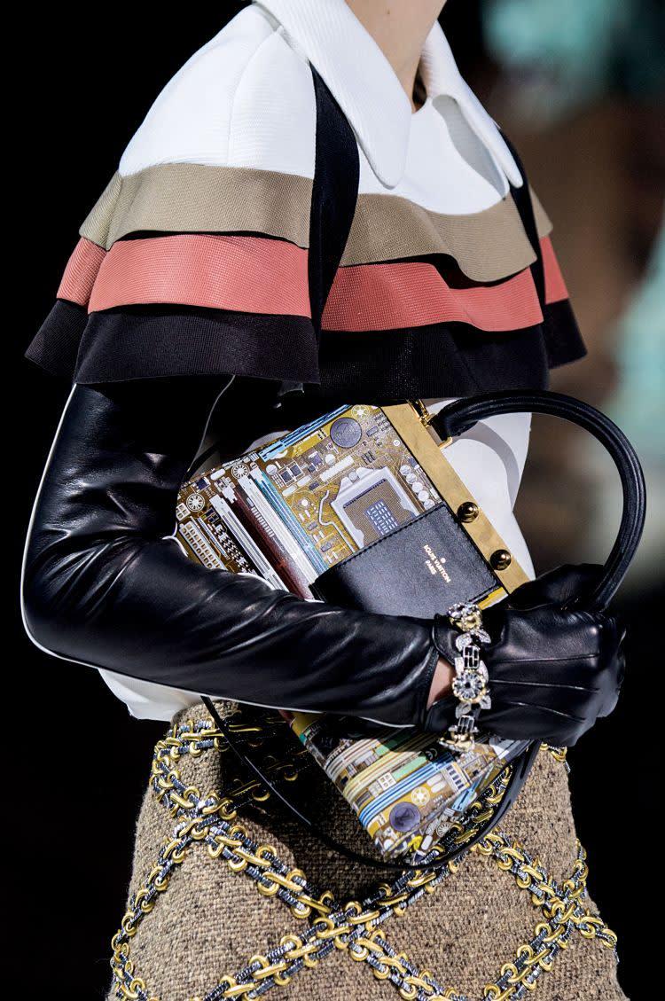 8ef73db61b0 Louis Vuitton AW18 catwalk show
