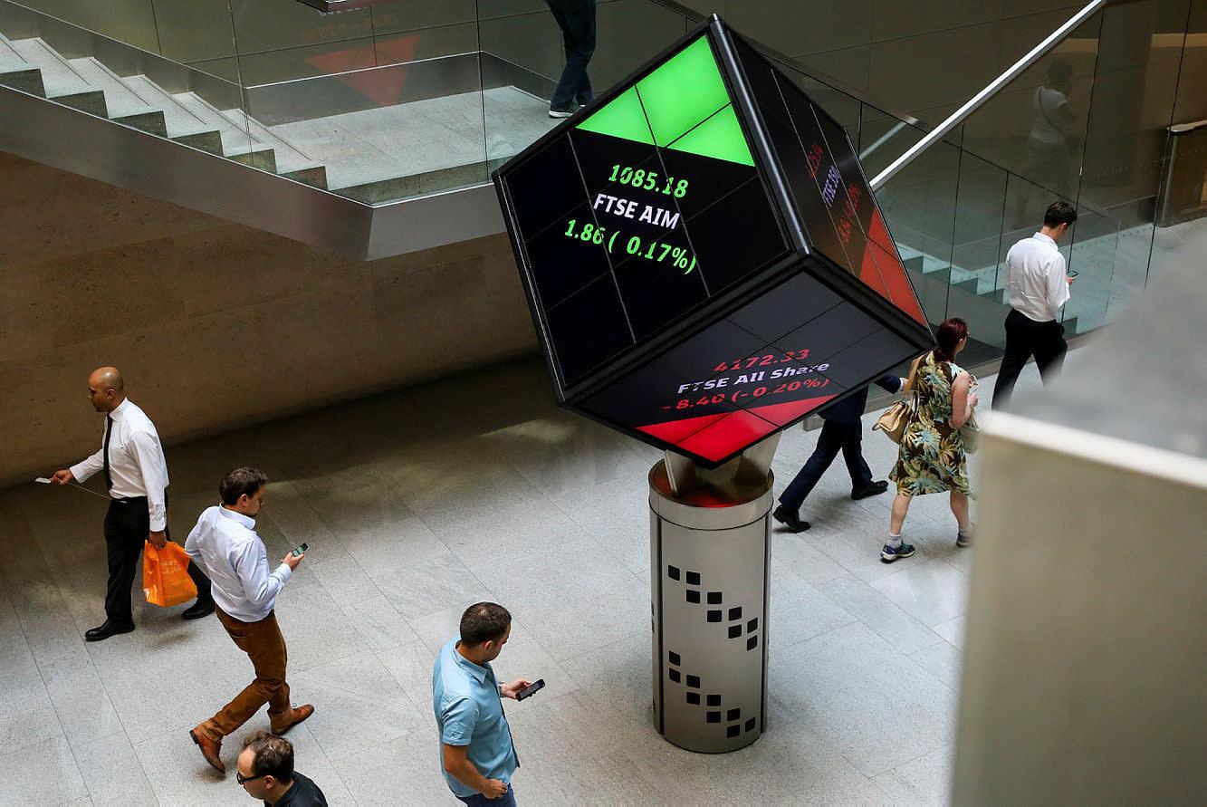 FTSE creeps up on hopes of lockdown ease