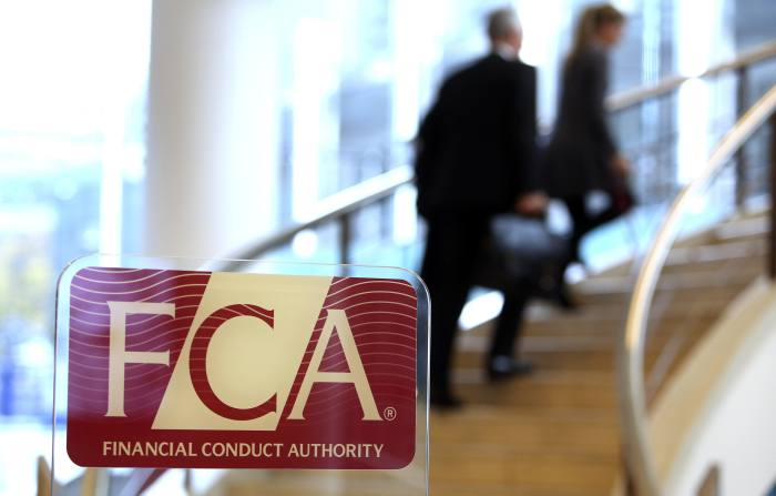 Advisers warned over using FCA logo