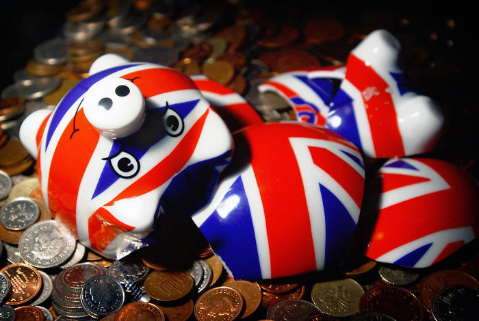 Pension deficits fall £80bn in January