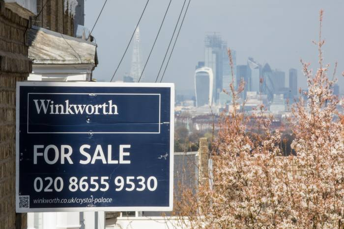 Analysts back property trust as it slashes fees