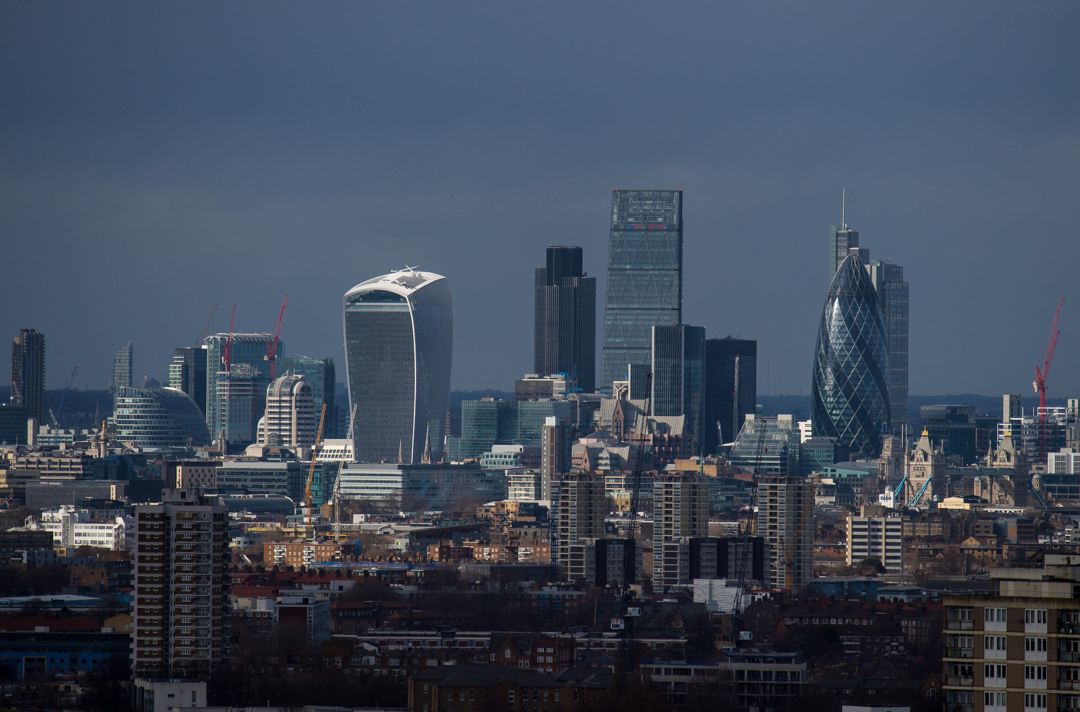 Economic data points to looming UK recession