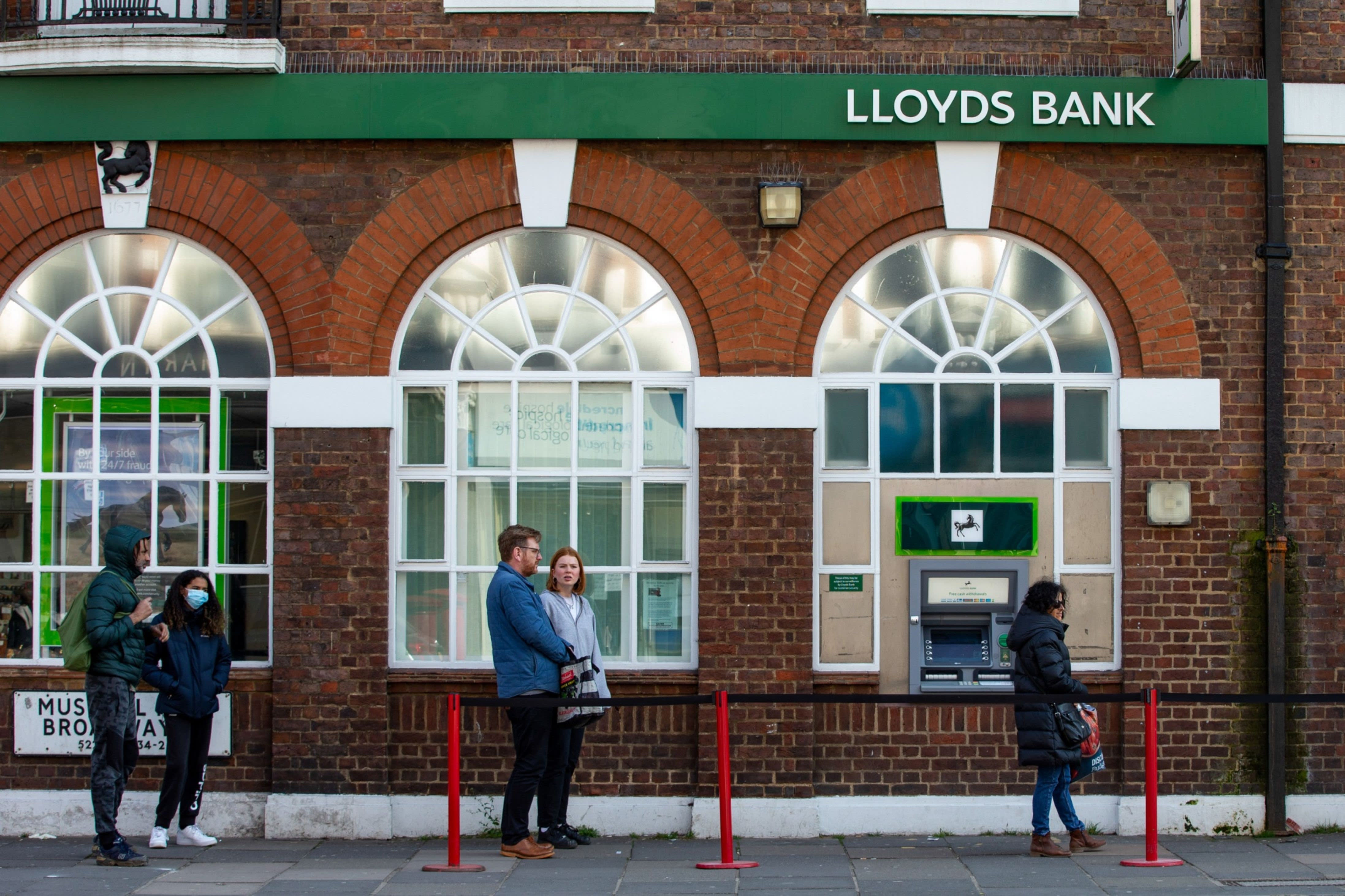 Lloyds' mortgage book up £3.5bn amid 'mini boom'