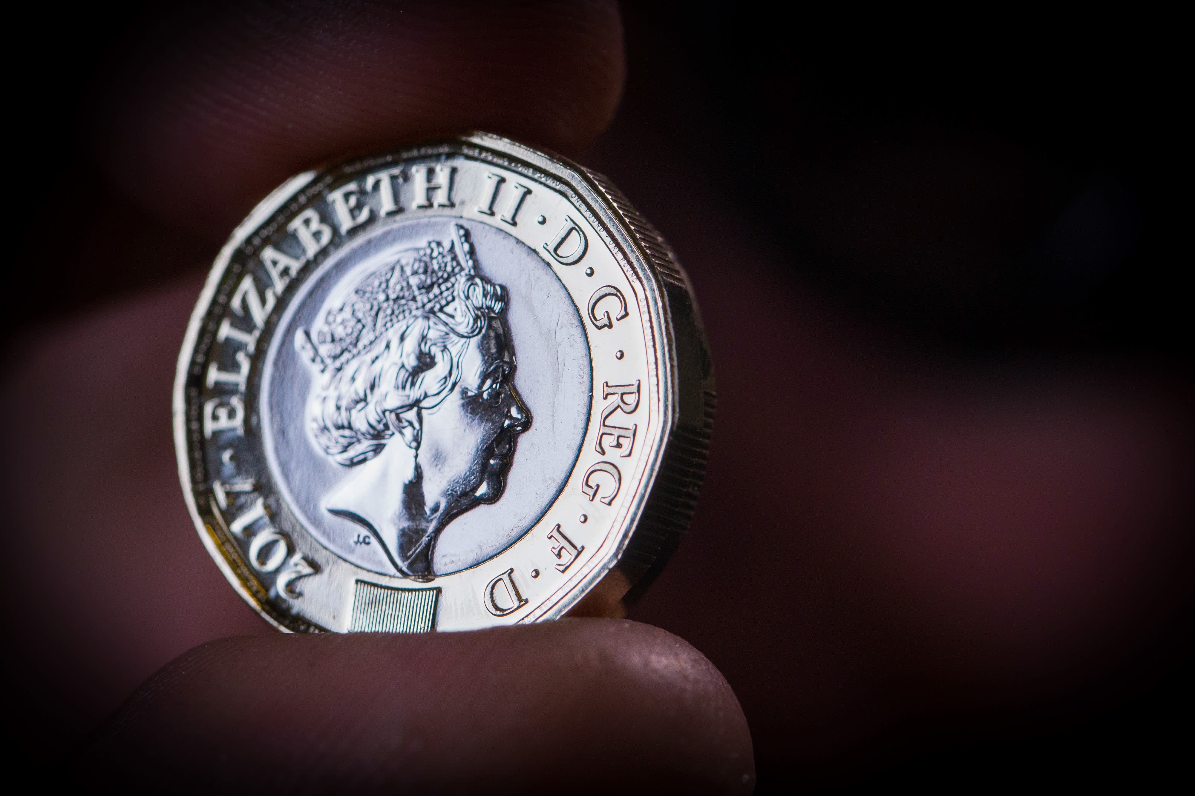 Investors pull £68m from Threadneedle property fund