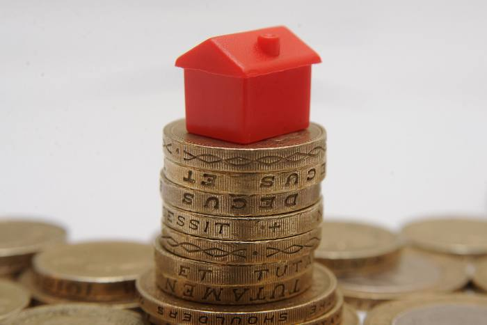 House price growth remains below 1%