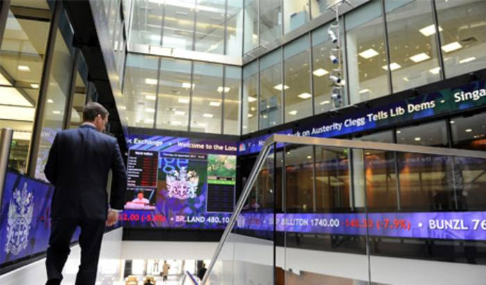 Should you invest in the FTSE 100 or FTSE 250?