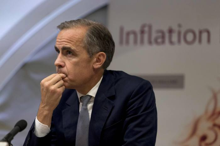 Carney hints at £300bn injection under hard Brexit
