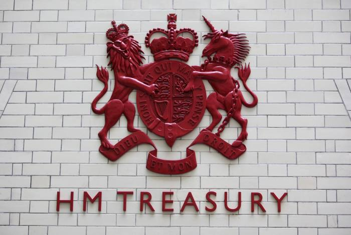 Treasury to tackle pensions anomaly