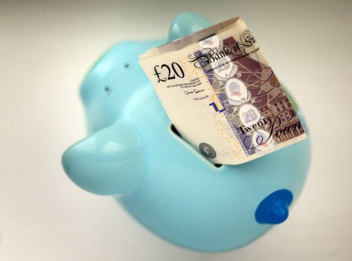 FTSE 350 pension deficit falls to £17bn