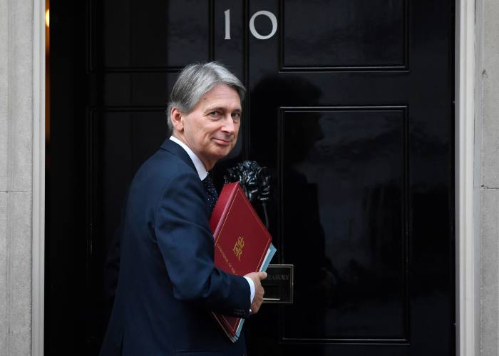 Hammond dismisses £6bn pension tax reform