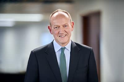 Aviva appoints ex-Lloyds finance chief as chairman