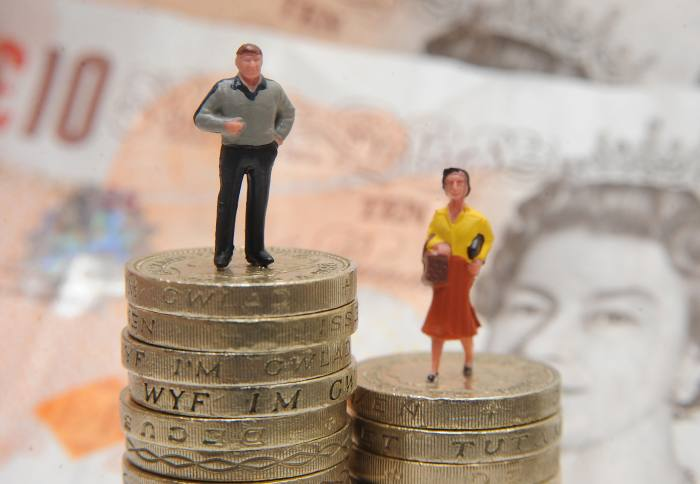 Female pension claims drop after age change