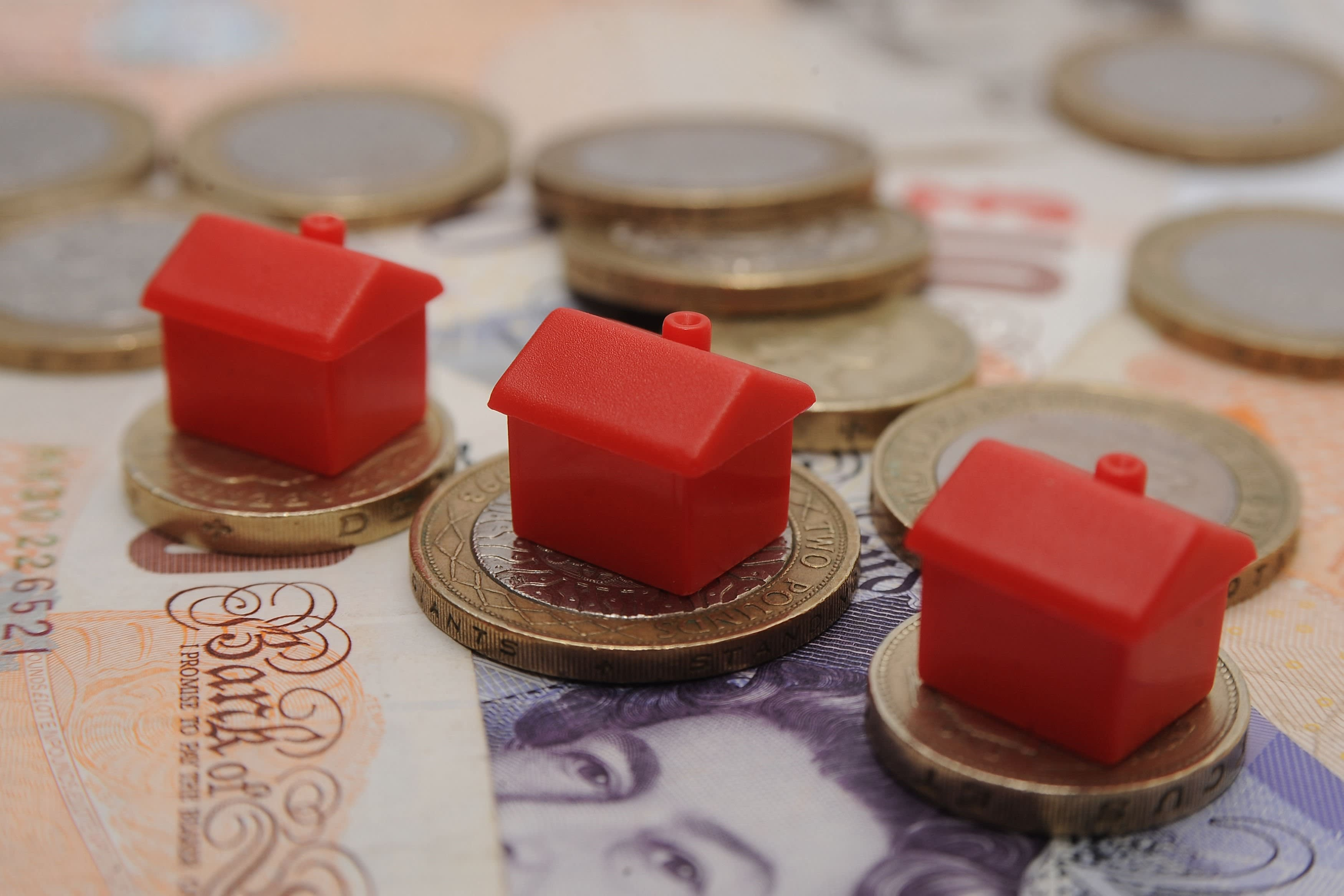 Relaunched house price index shows fall in prices