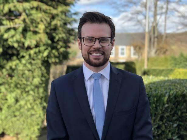 Adviser on the hunt for chartered staff