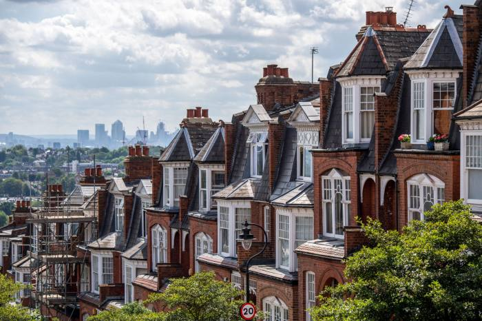 Extended stamp duty holiday 're-accelerates' house prices