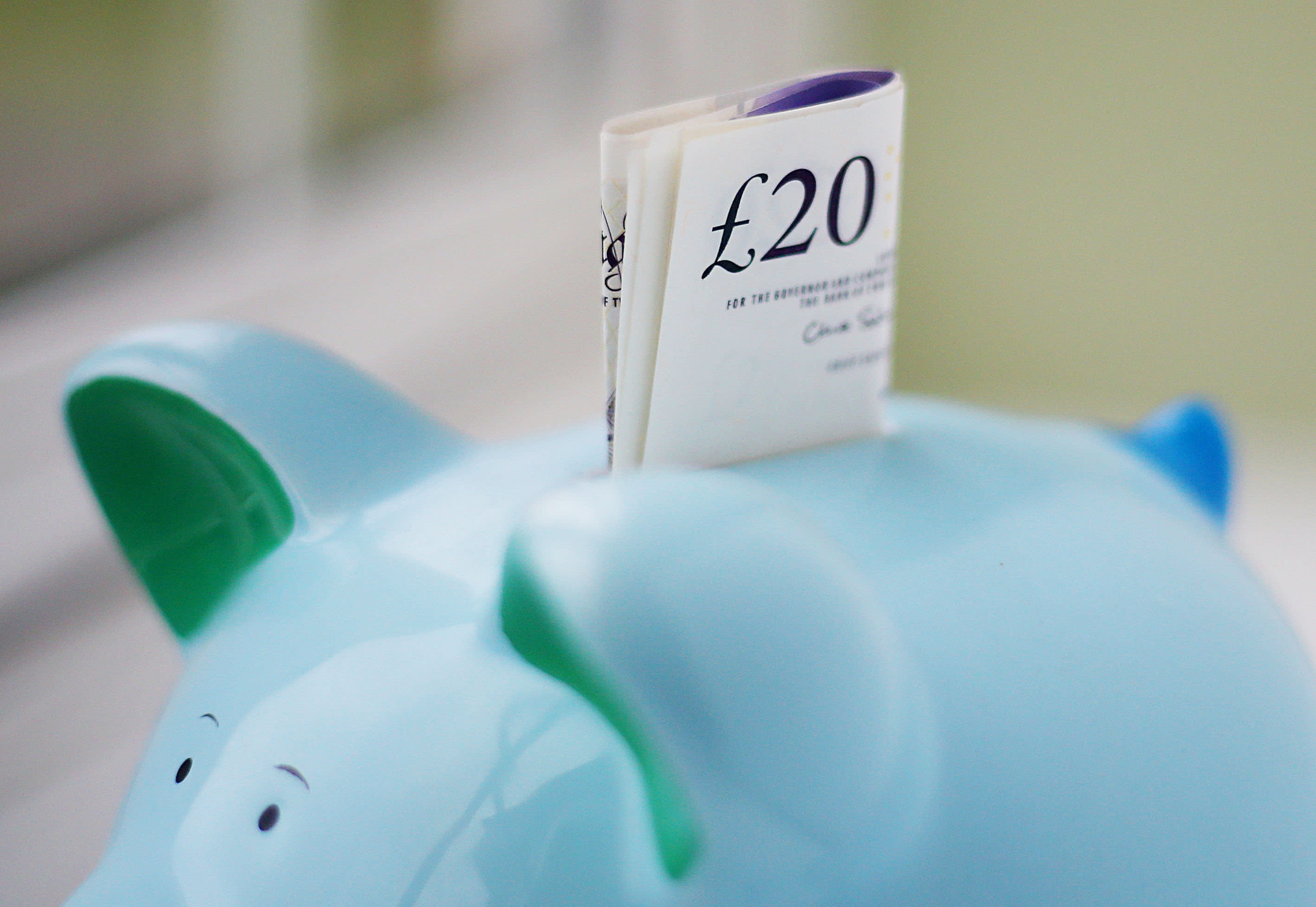 Average pension contributions fall