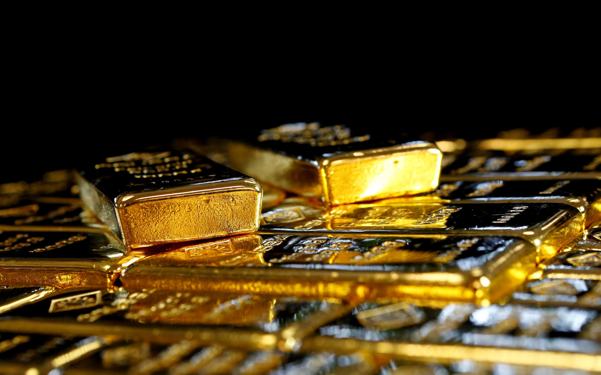 Investors are flocking to gold amid Covid-19