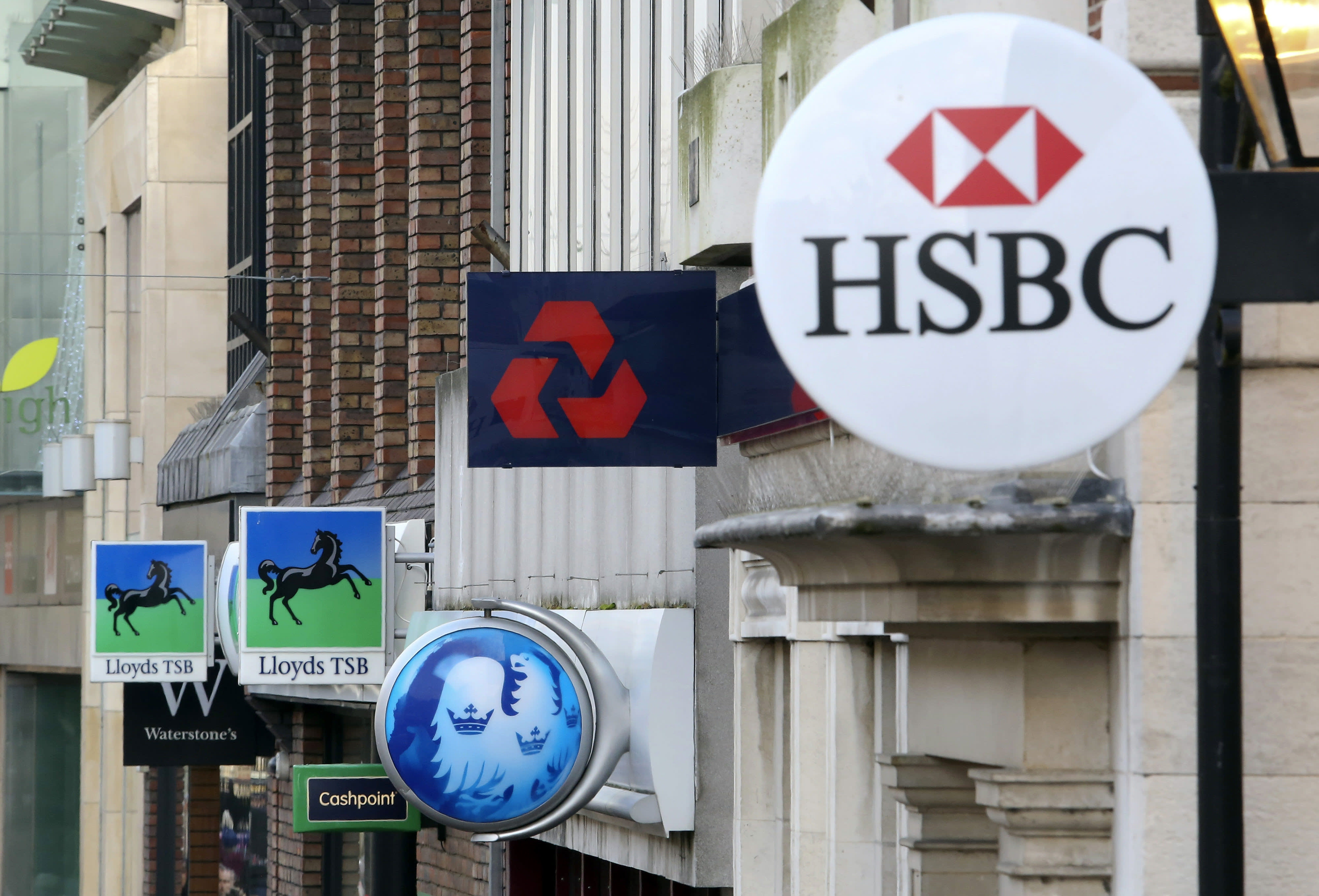 FCA and govt tell banks to extend lending