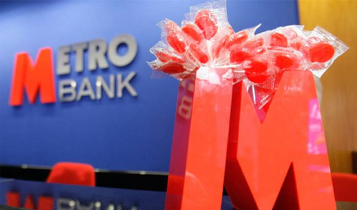 Metro Bank to raise £350m