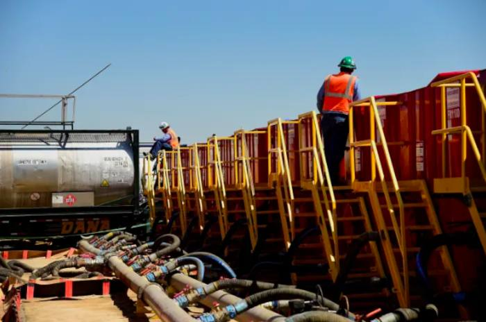 US oil price creeps above zero after historic low