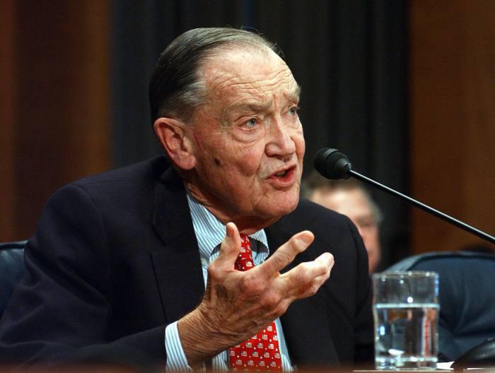 Vanguard founder passes away