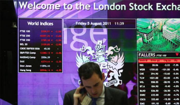 Big platforms see £110m outflows