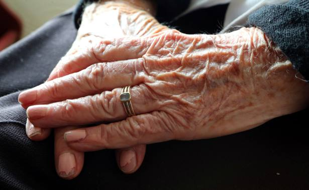 Experts say working pensioners should pay NI