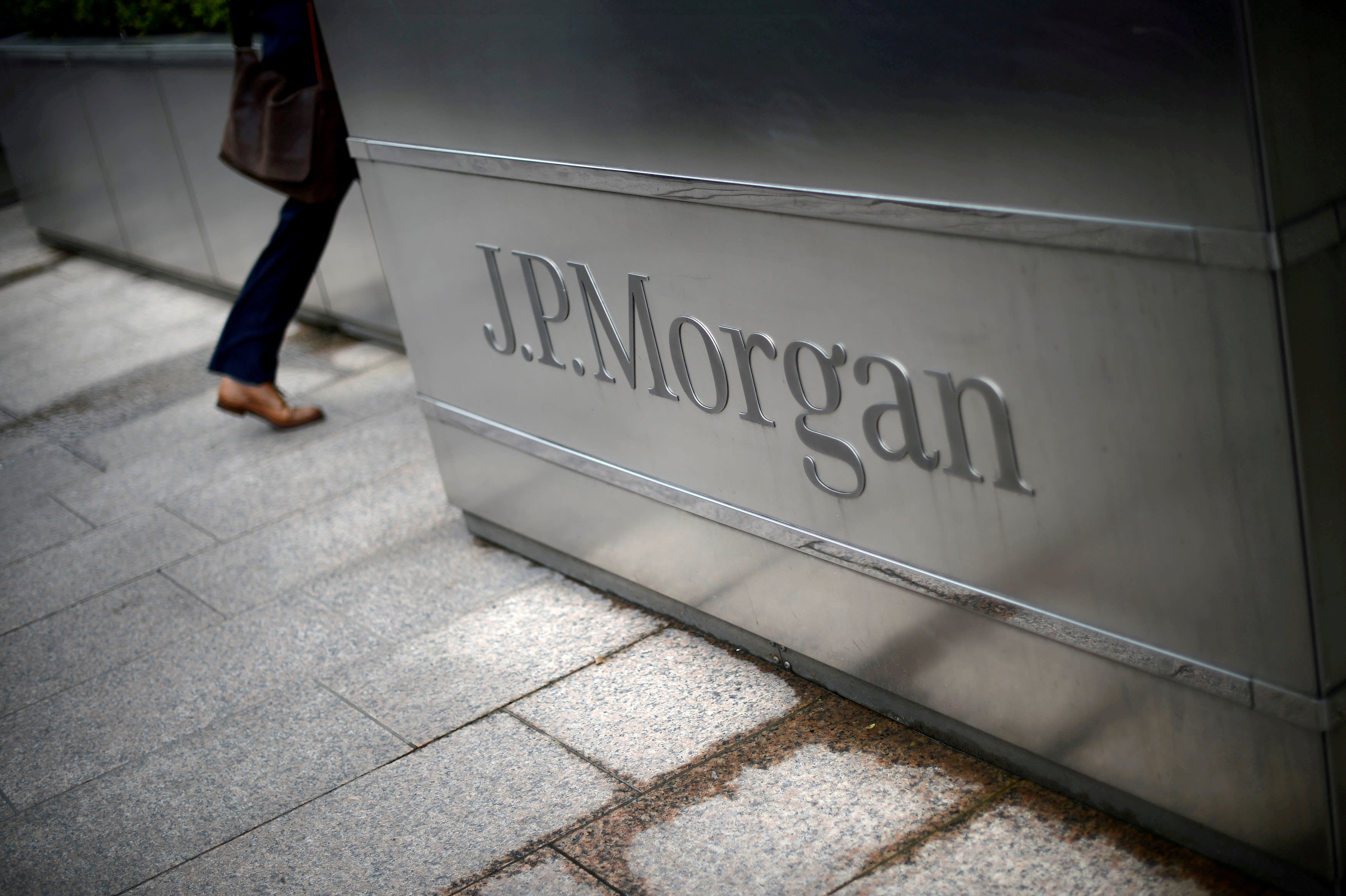 JPMorgan to acquire robo-adviser Nutmeg