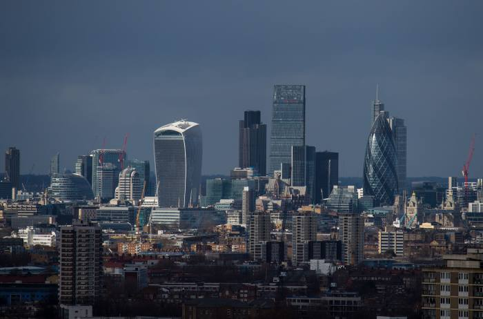 Financial services sector shifts £800bn in assets to EU