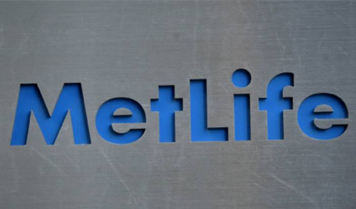 MetLife closes to new wealth management business