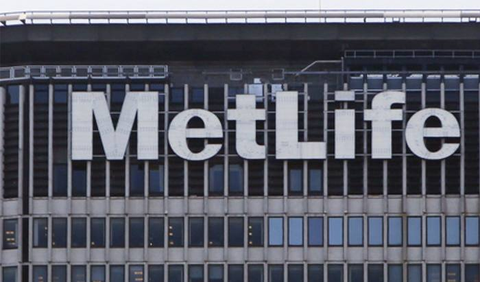 MetLife warns retirement savers forced into risk taking