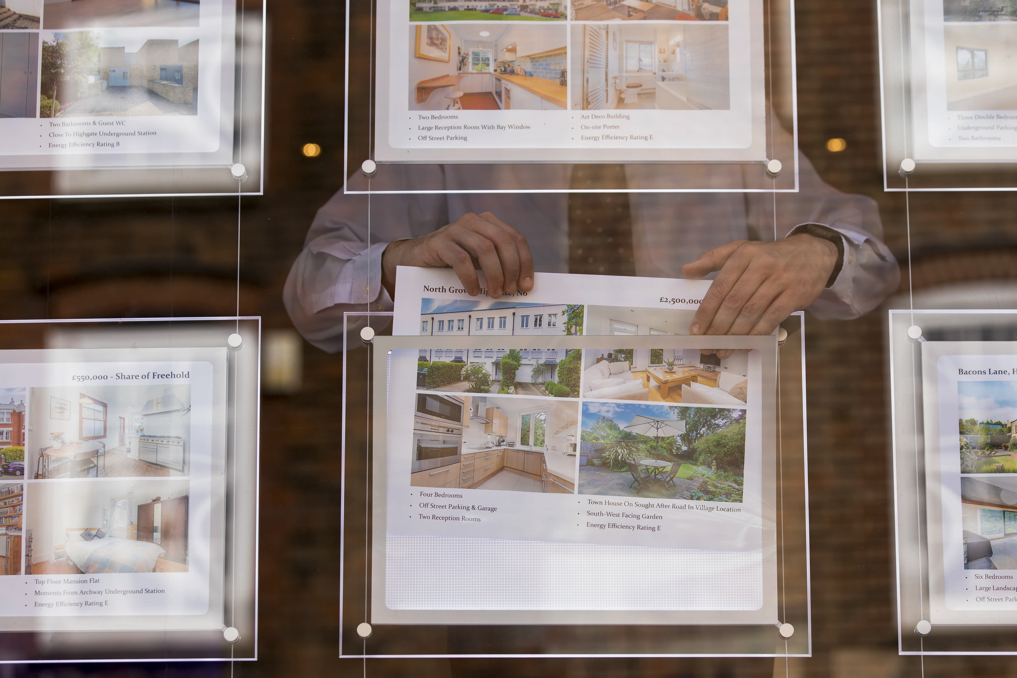 Estate agent fee disparity worth thousands of pounds