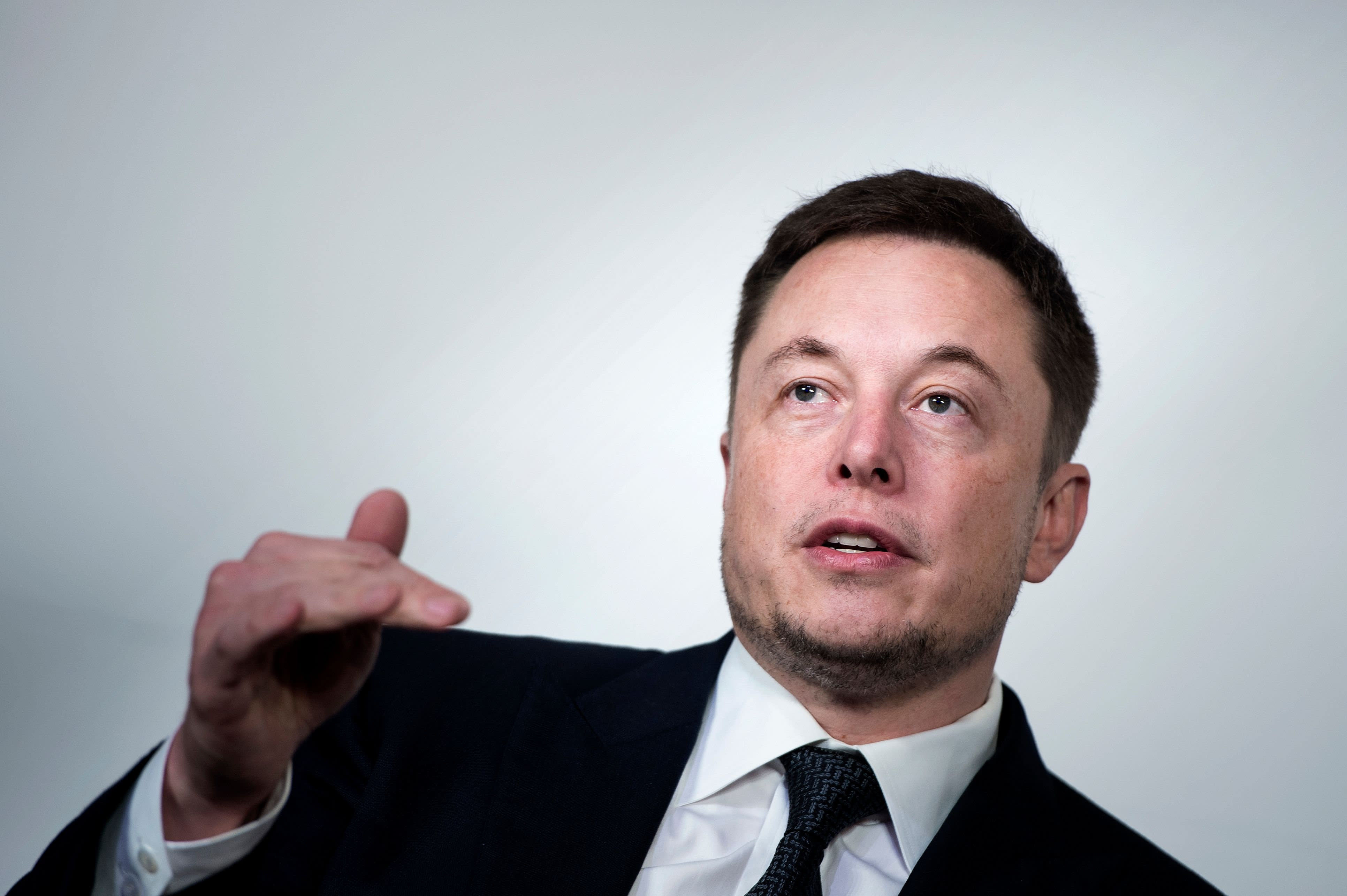 Tesla to stay public after shareholders opt for status quo